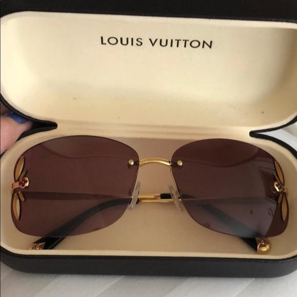 042004325e Louis Vuitton Accessories